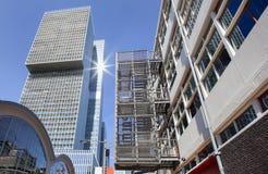 Uscita di sicurezza esterna del metallo a Rotterdam fotografie stock libere da diritti