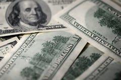 100 USD предпосылки долларовых банкнот Стоковые Фотографии RF