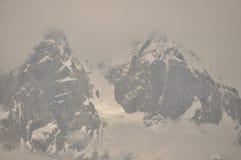 Ushba峰顶在高加索山脉 斯诺伊使用 图库摄影