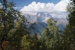 Ushba - een mooie bergpiek in de Kaukasus Stock Foto