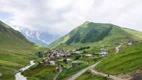Ushguli, Georgia - 2 agosto 2015: Il villaggio di Ushguli, Svaneti superiore, Georgia, Europa Fotografia Stock Libera da Diritti