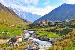 Ushguli by, Svaneti Georgia Fotografering för Bildbyråer
