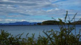 Ushuaia landskap och sjöar i Argentina arkivfilmer