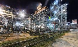 Usine chimique pour la production du fertilisation à ammoniaque et à azote Photographie stock libre de droits