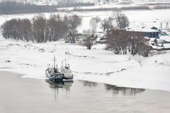 Usine d'élevage de poissons à la saison d'hiver Photos stock