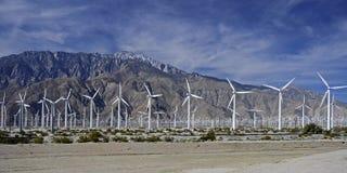 Usine d'énergie éolienne, Palm Springs, CA, Etats-Unis Images libres de droits