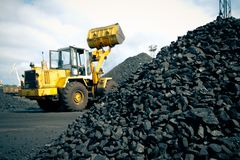 Usine de charbon dans un jour très chaud Images libres de droits