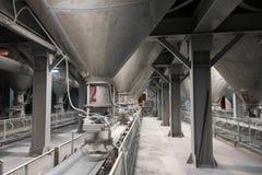 Usine de ciment à l'intérieur de vue image libre de droits