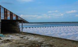 Usine et grange de sel en Thaïlande Image stock