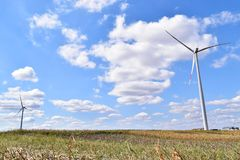 Usines d'énergie éolienne dans Alibunar, Serbie Photos libres de droits