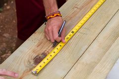 Using Tape Measure Royalty Free Stock Photos
