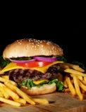 usmaż hamburgera Zdjęcia Royalty Free