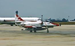 USN TA-4J Skyhawk trener po misji obraz royalty free
