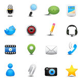 Uso de la charla y medios iconos sociales Imagen de archivo