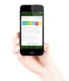 Uso de la libreta de banco en la pantalla del iPhone de Apple Imagen de archivo libre de regalías