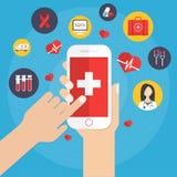Uso de la salud en concepto del smartphone Fotos de archivo libres de regalías