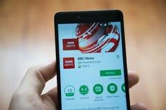 Uso de las noticias de la BBC en tienda del juego de Google foto de archivo libre de regalías
