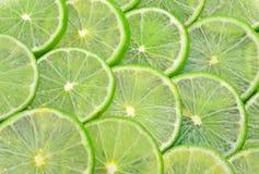 Uso del cerchio del silce dei limoni per su fondo Fotografie Stock