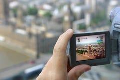 Uso turistico della videocamera Fotografie Stock Libere da Diritti