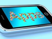 Usos de Apps del teléfono móvil encendido Fotos de archivo