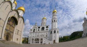 Uspenskaya Zvonnitsa och Ivan det stora Klocka tornet Royaltyfri Fotografi