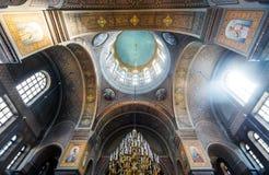 Uspenski大教堂内部在赫尔辛基,芬兰 免版税库存照片