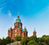 Uspenski大教堂,赫尔辛基夏天晴天 红色教会 免版税库存照片