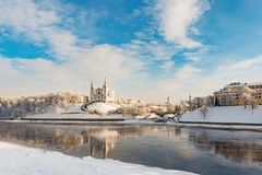 Uspensky大教堂是一个寺庙在维帖布斯克,历史建筑学在一个清楚的晴天在冬天 免版税库存图片