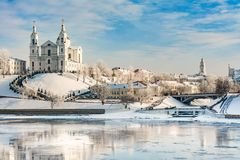 Uspensky大教堂是一个寺庙在维帖布斯克,历史建筑学在一个清楚的晴天在冬天 库存图片