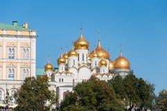 Uspensky i Blagoveschensky katedry Moskwa Kremlin Rosja Obraz Stock