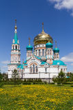 Uspensky-Kathedrale in Omsk, Russland stockfotos