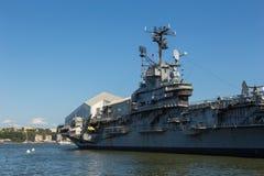 USS强悍,艾塞克斯班的航空母舰,在强悍海空气空间博物馆 图库摄影