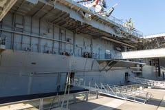 USS强悍,艾塞克斯班的航空母舰,在强悍海空气空间博物馆 免版税图库摄影