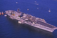USS Кеннедай, гавань New York, New York City, New York, 4-ое июля 1986 Стоковые Изображения