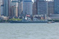 USS Bainbridge przy flota tygodniem obraz royalty free