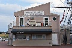 USS Constellation历史的船在巴尔的摩,马里兰 库存照片