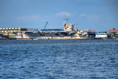 USS John Kennedy Aircraft Carrier in Philadelphia Lizenzfreie Stockbilder