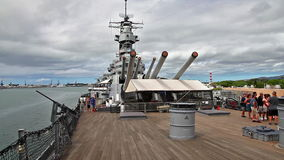 USS Missouri guided tour. HONOLULU, OAHU, HAWAII, USA - AUGUST 21, 2016: The prow with big canons of USS Missouri BB-63 warship at Pearl Harbor base stock video