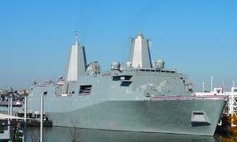 USS New York LPD-21 si è messo in bacino in Manhattan per l'incarico della nave immagini stock libere da diritti