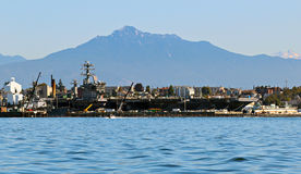 USS Nimitz CVN-68 and USS Shoup DDG-86 Stock Photography