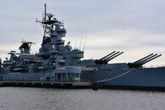 USS ny - ärmlös tröja BB-62 i Camden som är ny - ärmlös tröja Arkivbilder