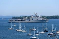 USS Tortuga (LSD-46) i den Rockland hamnen, Maine Arkivfoto