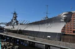 USS Wisconsin slagskepp (BB-64) i Norfolk, Virginia Fotografering för Bildbyråer