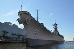 USS Wisconsin slagskepp (BB-64) i Norfolk, Virginia Arkivfoto