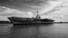 USS Yorktown un porte-avions historique images stock