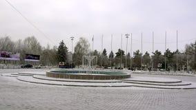 Ust-Kamenogorsk Kasakhstan - December 4, 2017: Panoramautsikt av fyrkanten nära flygplatsen av staden av Ust lager videofilmer