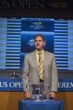 USTA主席、CEO和戴维Haggerty总统2013年美国公开赛凹道仪式的 库存照片