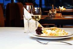 ustaleni posiłków stoły obrazy royalty free