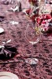 ustaleni posiłków stoły zdjęcie stock
