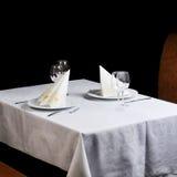 ustaleni posiłków stoły obraz stock